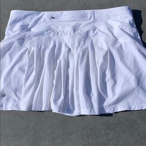 Lulu lemon skirt 10T white pacesetter